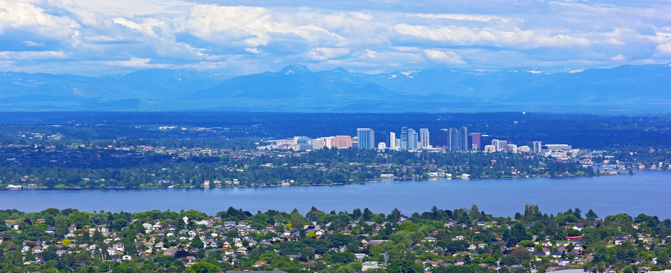 Scenic-panorama-of-Bellevue-from-Seattle-with-mountains-range